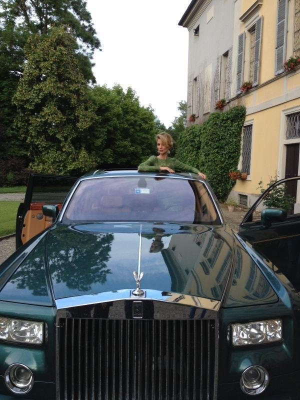 Rolls Royce nel video Lollipop