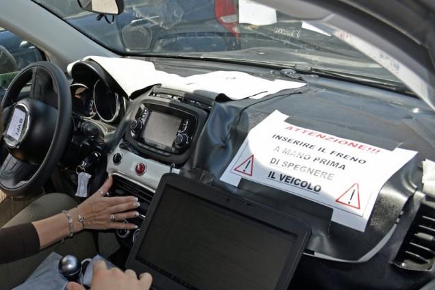 Fiat 500X 2014 interni 02