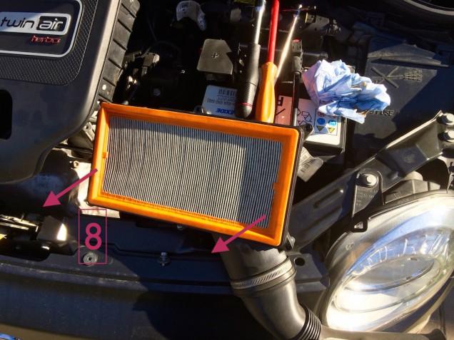 Sostituzione filtro aria 500 0.9 TwinAir 08